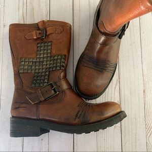 Awesome Ash studded cross moto boot